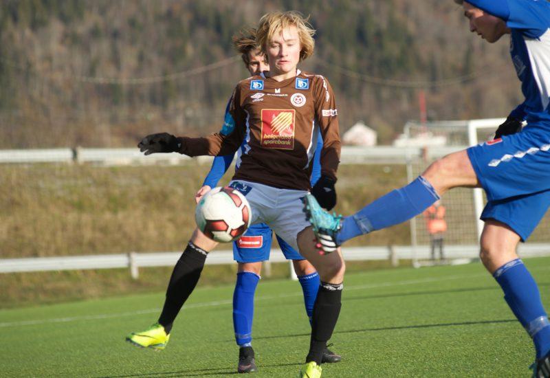 Adrian Teigen scoret det ene av Mo-juniorenes tre mål mot B&Y IL.