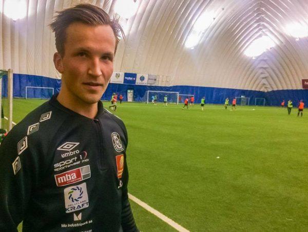 IKKE PÅ BANEN IGJEN: En ny kneskade har satt en endelig stopp for Stian Johansens fotballkarriere.